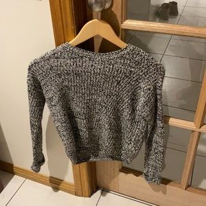 Tilii black and white knitted sweater